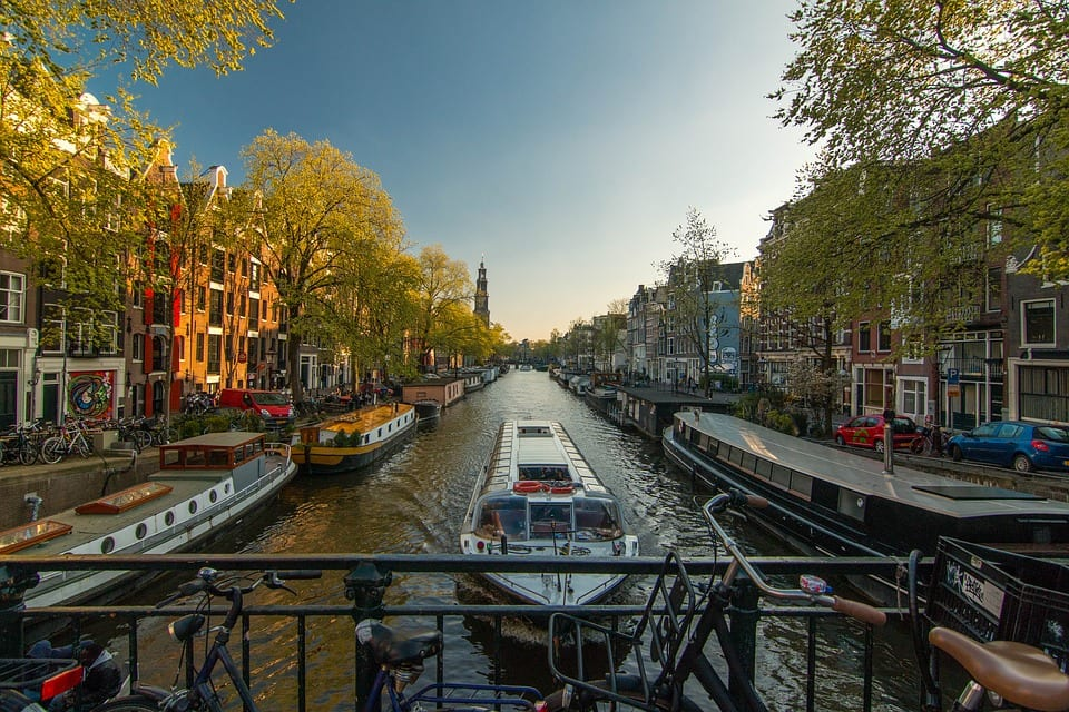 Amsterdam : 10 Reasons to Visit The Netherlands' Capital
