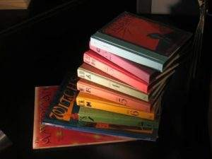 The Tales of Beedle the Bard_books